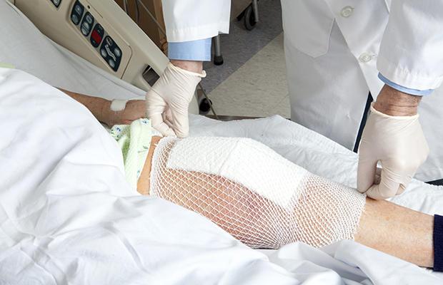 Повязка на прооперированном суставе