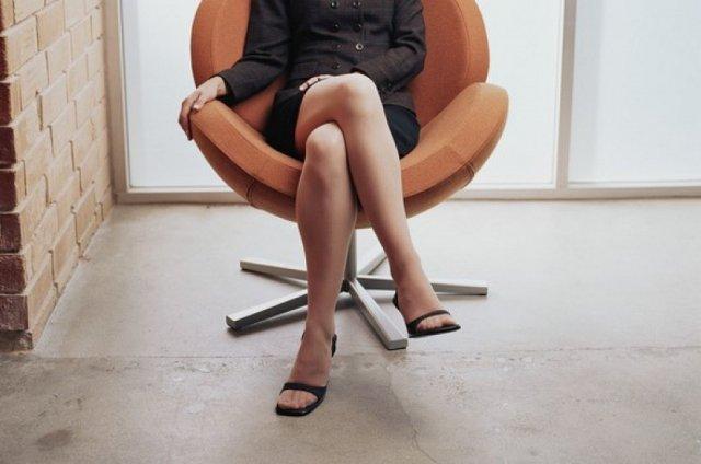 Как избавиться от выпирающих вен на ногах?