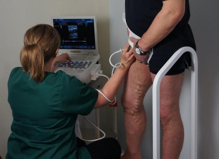 Обзор эффективных физиопроцедур для лечения варикоза