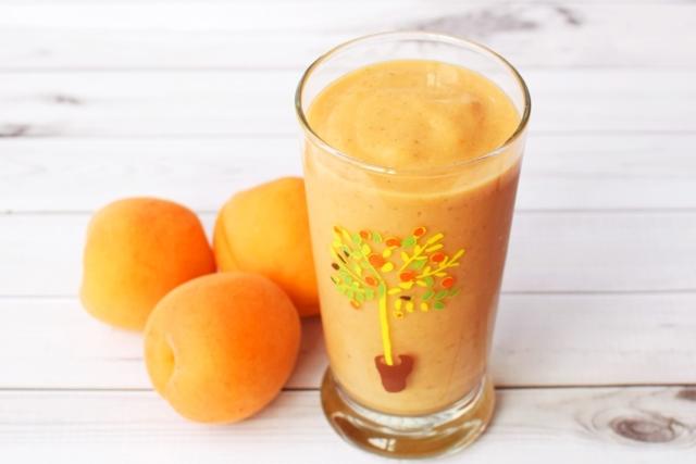 Кусочек лета в бокале наливка из абрикосов и коктейли на ее основе. Как приготовить в домашних условиях?