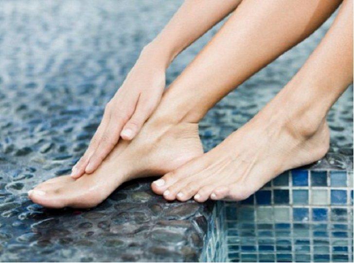 Покалывание в ногах