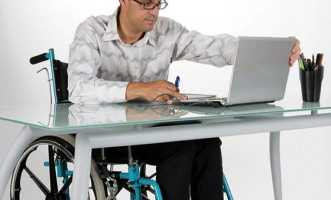 Инвалид может работать и получать пенсию