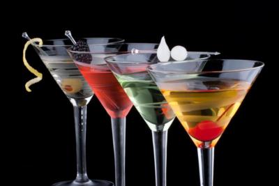 Рецепты вкусных коктейлей. Чем и в каких пропорциях разбавляют мартини?