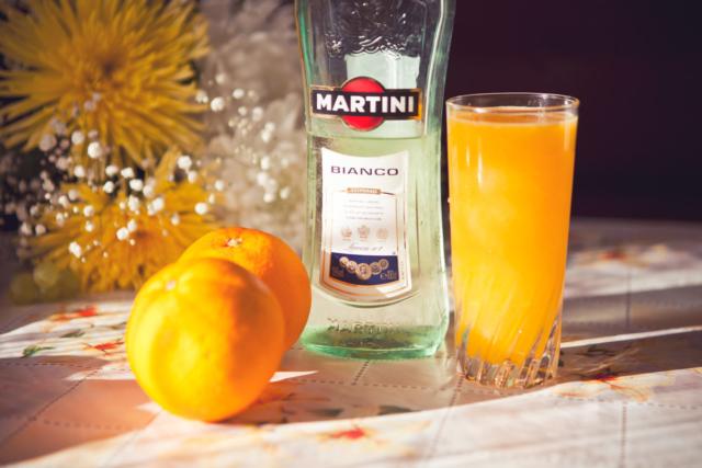 Рецепт коктейля Джеймса Бонда и вариации микса Мартини с водкой. Правила подачи и употребления