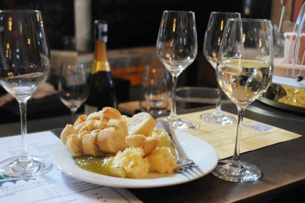 Рислинг вино с цитрусово-фруктовым ароматом