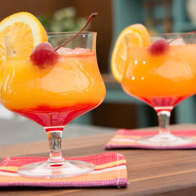 Эффектные внешне и изысканные на вкус коктейли с гренадином. Как приготовить дома?