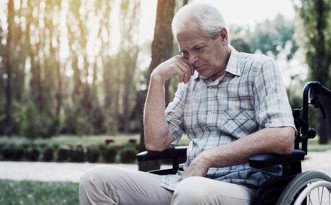 Причины приостановления пенсионных выплат