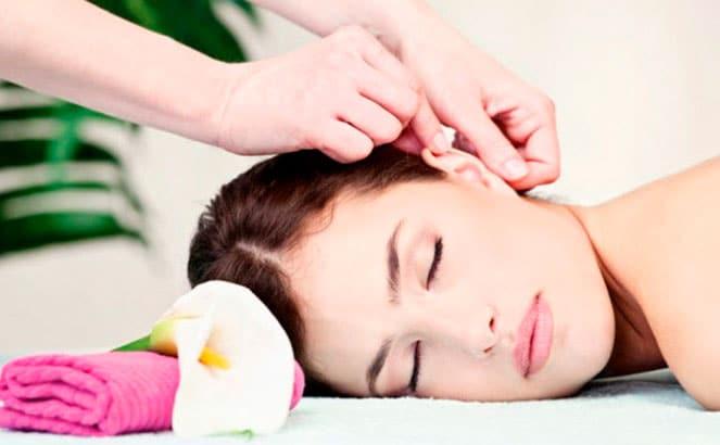 Выполнение массажа ушей