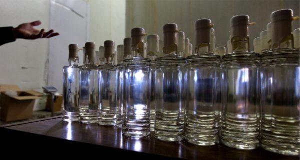 Секрет успеха, как развести спирт водой, чтобы получилась водка