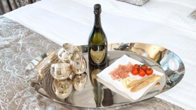 С чем сочетается шампанское? Лучшие закуски ко всем видам напитка