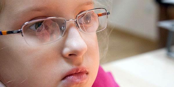 у ребенка двоится в глазах