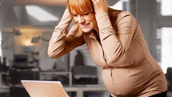 Стресс у беременной девушки