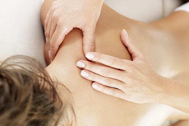 Поглаживание в массаже
