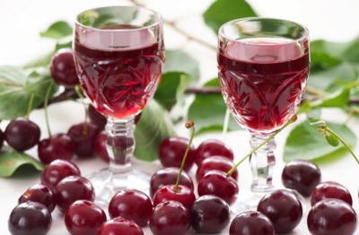 Домашнее вино из черешни. Основы приготовления и простые рецепты