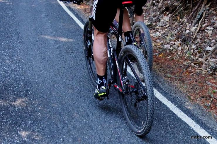 Езда на велосипеде при варикозе: плюсы и минусы
