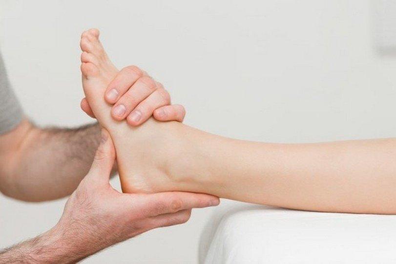 От чего возникает боль в разных частях стопы?