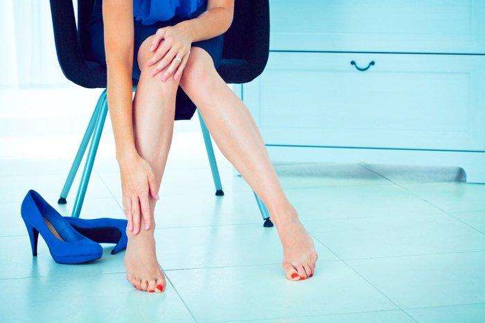 Слабость и боль в ногах во время менструации