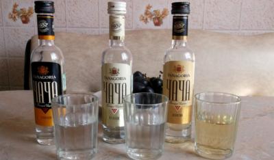 Что представляет собой грузинский напиток чача без дрожжей? Как сделать и употреблять алкоголь?