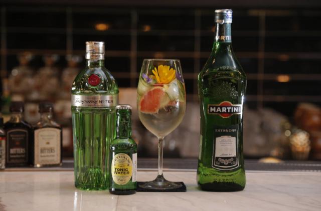 Всё о сухом Мартини Экстра Драй. Рецепты коктейлей, правила употребления и стоимость алкоголя